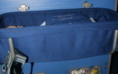 Babybettchen im Flugzeug