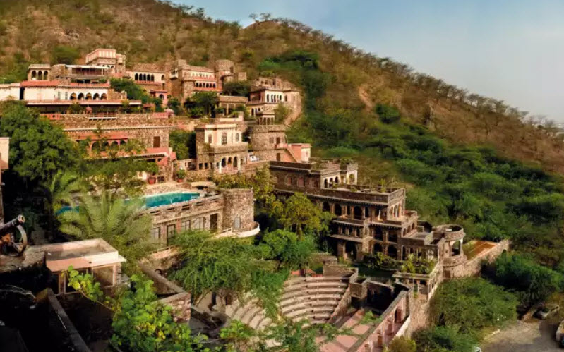 Neemrana Fort-Palace